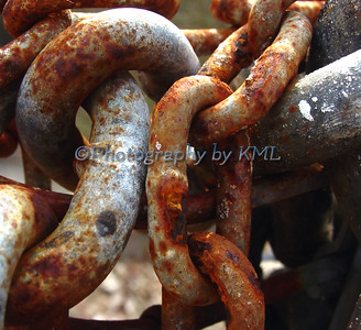 macro of a large rusty chain link